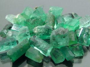 esmeraldas-bruto